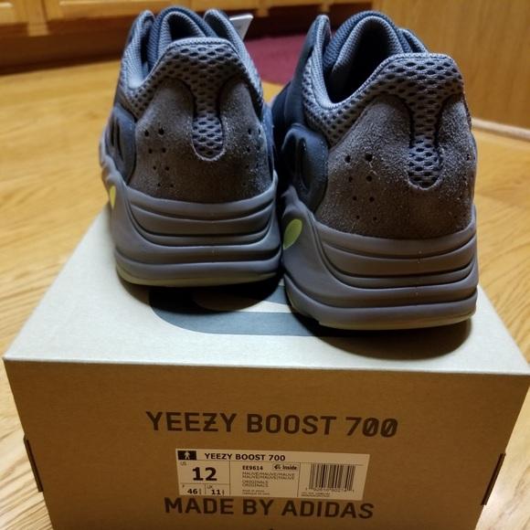 c92d790ec YEEZYs Dad Sneakers 💯 Authentic